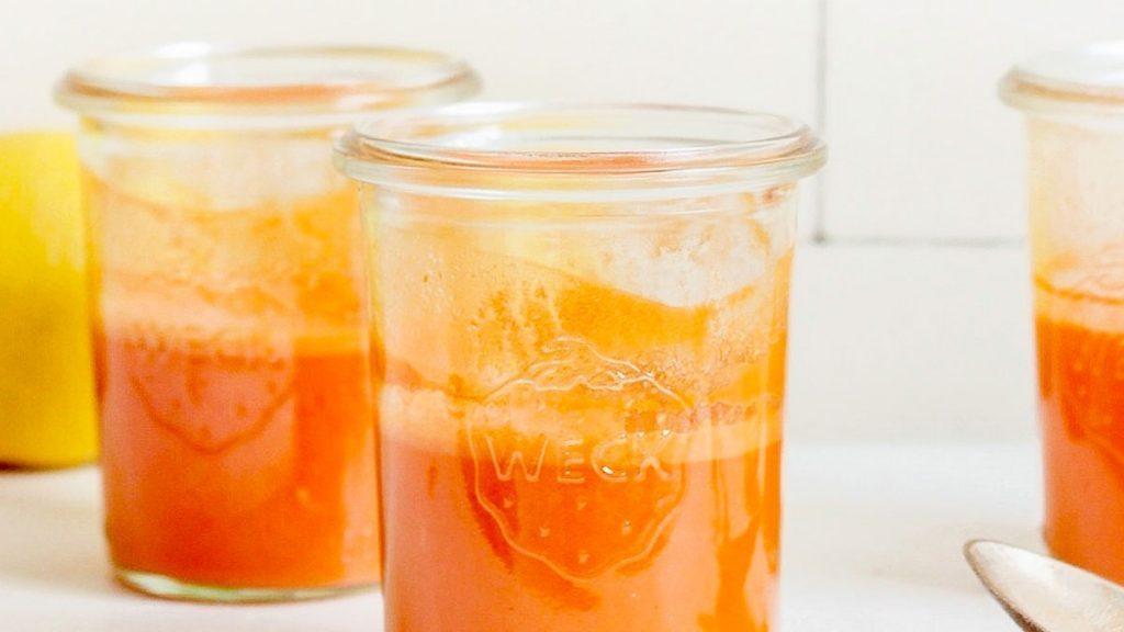 Creme caseiro remove olheiras em 15 minutos com total eficiência e rapidez, utilizando cenoura e melão em sua composição totalmente natural.