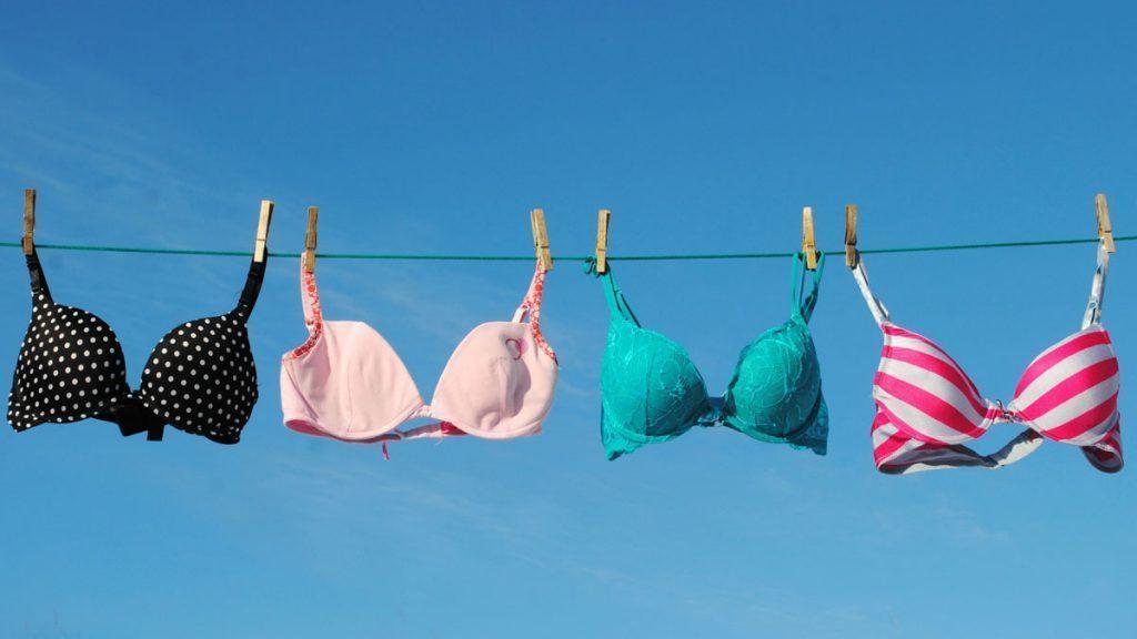 Mulheres devem evitar sutiã, segundo orientações de cientistas que indicaram motivos pelos quais esse vestuário pode prejudicar a saúde das mulheres.